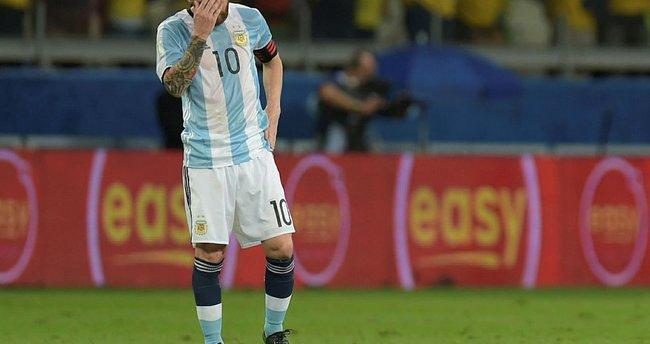 Messi ve Arjantin'in Rusya bileti tehlikede