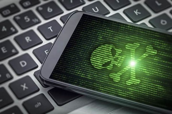 Çin'de üretilen o telefonlara fabrikada virüs bulaşıyor