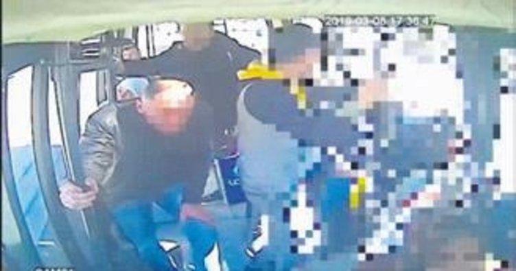 Gürcü hırsızlar dolmuş kamerasına yakalandı