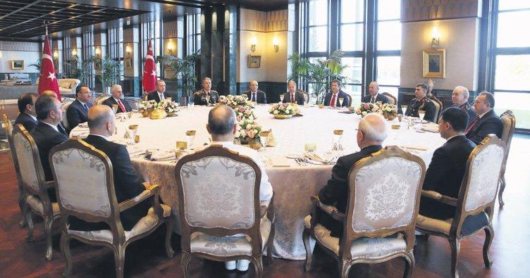Cumhurbaşkanı'ndan Şûra üyelerine yemek