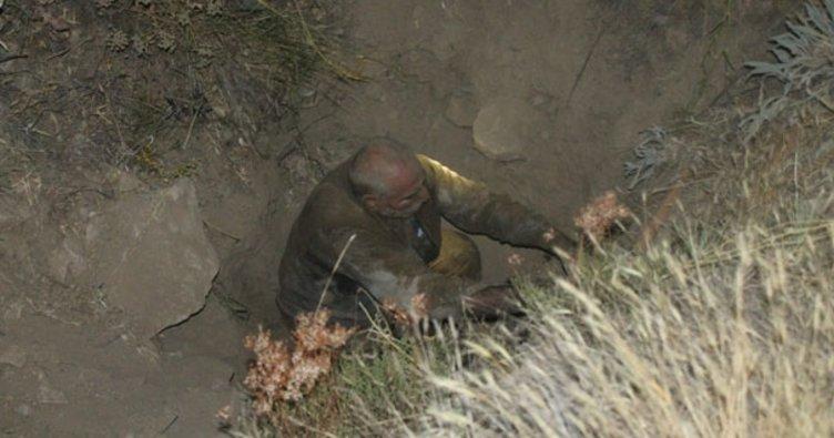 15 metrelik kuyuya düşen yaşlı adamı, itfaiye ekipleri kurtardı