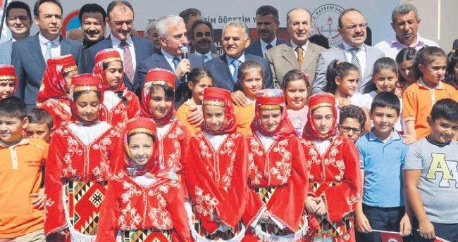 'Eğitim geleceğe açılan kapının anahtarıdır'