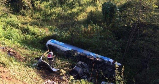 LPG dolu tanker uçuruma yuvarlandı