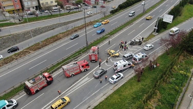 Son dakika: Ataşehir'de can pazarı! Yol adeta savaş alanına döndü...