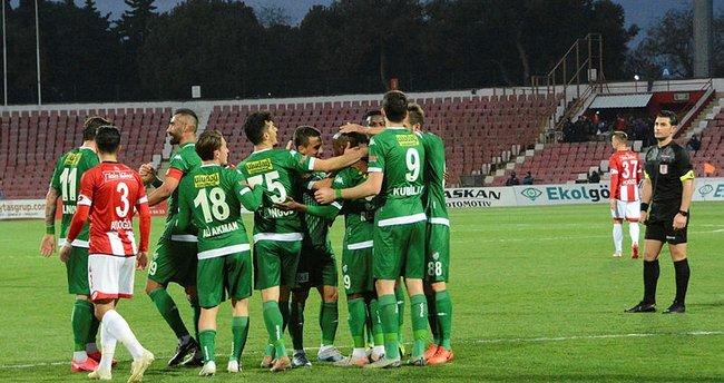 Rakipleri kaybetti Bursaspor kazanarak 'hayata döndü'
