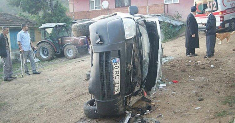 Ticari araç yoldan uçtu: 3 yaralı