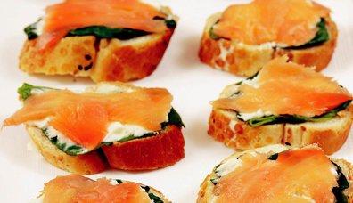 Peynirli ve Ispanak Somon Ruloları