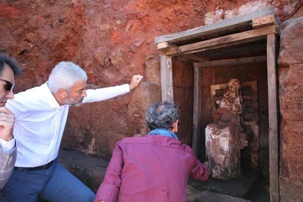 Ordu'da 2 bin 100 yıllık ana tanrıça heykeli bulundu