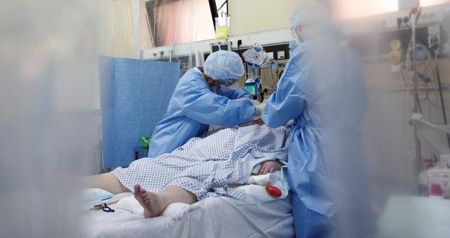 Koronavirüsle mücadele eden doktor: Gördüklerimi gören biri evden dışarı  çıkmazdı - Son Dakika Haberler