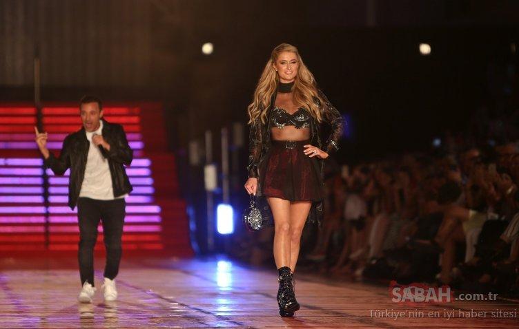 Paris Hilton Antalya'da podyuma çıktığı defilede düşme tehlikesi atlattı...