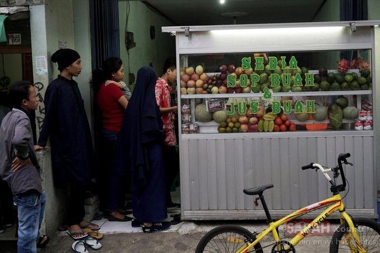 En kalabalık Müslüman nüfusa sahip Endonezya'da ilk iftar