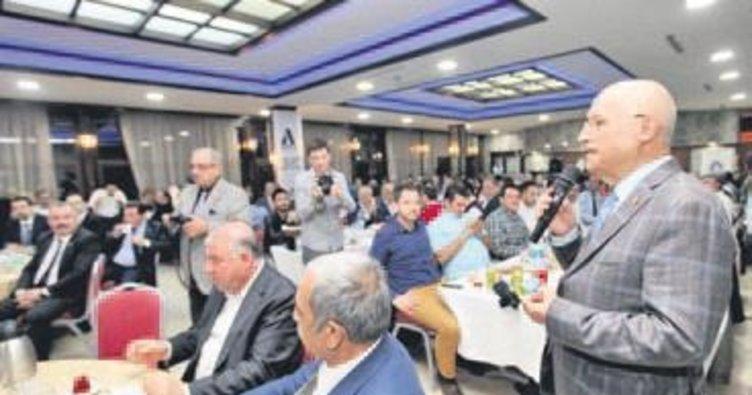 Fethi Yaşar, sanayici ve işadamları ile iftar yaptı