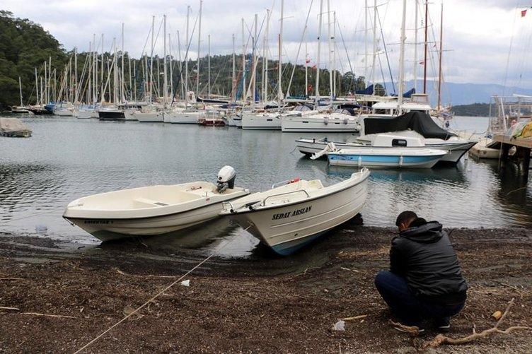 Deniz çekildi, tekneler karaya oturdu