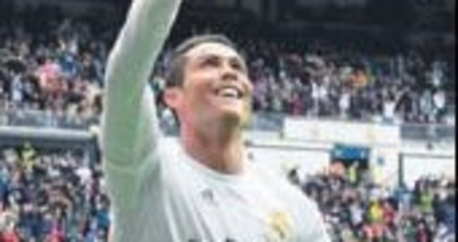 Ronaldo 36'sına kadar Madrid'de!