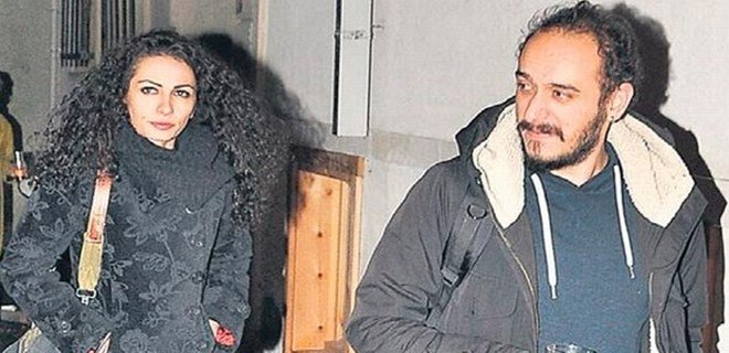 Kemal Sunal'ın kızı Ezo Sunal evlendi