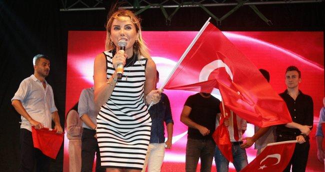 Ece Erken: Gezi'de özgürlük varsa 'EVET'te de olmalı!