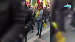 Fransız kadın, yüzlerce  terör örgütü PKK seviciyi rezil etti