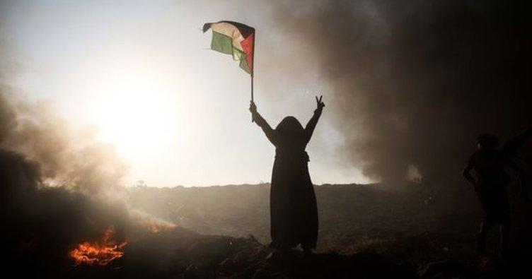Yahudi yerleşimcilerin şehit ettiği Filistinli kadın toprağa verildi