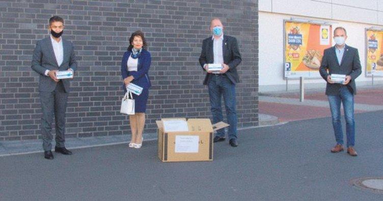 Baltacı çiftinden 2500 maske bağışı