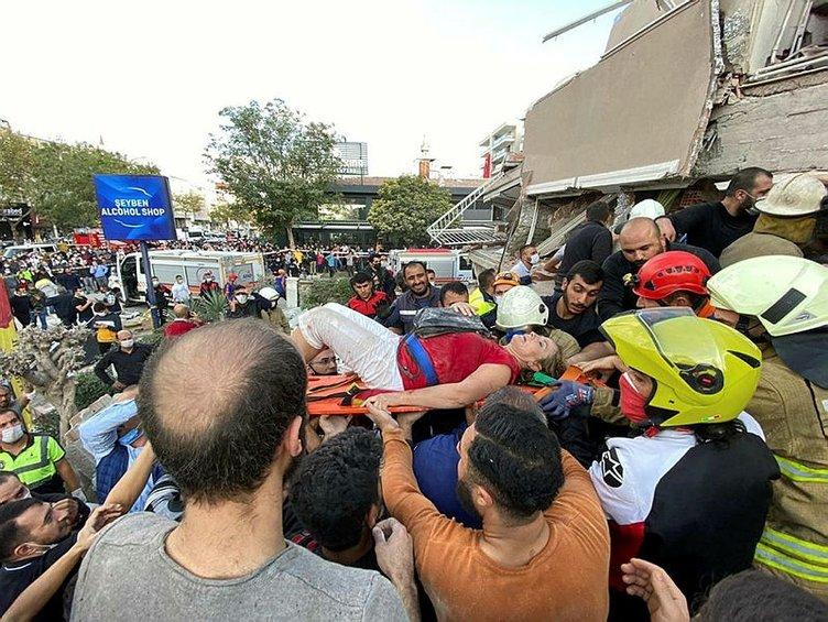 SON DAKİKA: İzmir'deki deprem sonrası hayatını kaybedenle var! 200'den fazla kişi yaralandı! Deprem sonrası enkaz altında kalanlar var...
