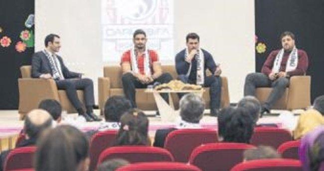 Milli güreşçiler öğrencileri spora teşvik için konuştu