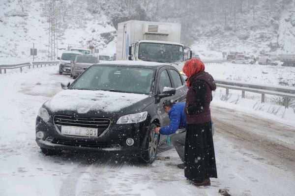 Zonguldak-Ankara yolu büyük araçlara kapandı