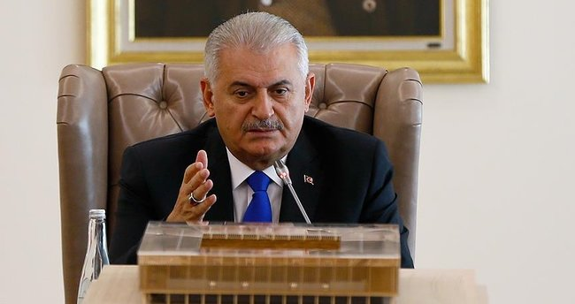 Başbakan Yıldırım: İzmir'de yapılacak statlar hukuki süreçlerden gecikiyor