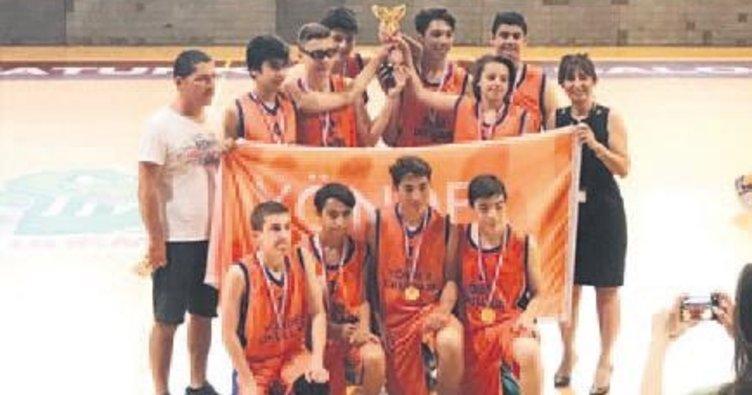 Yönder Basketbol turnuva birincisi