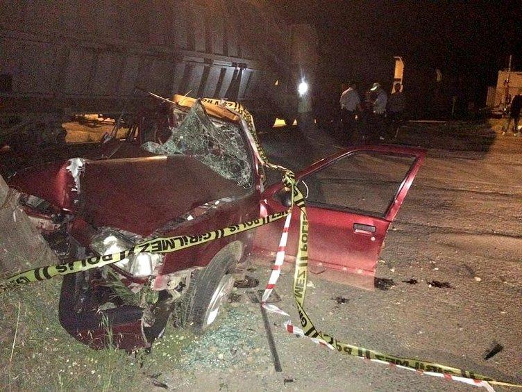 Hemzemin geçitte tren otomobile çarptı: 2 ölü, 2 yaralı