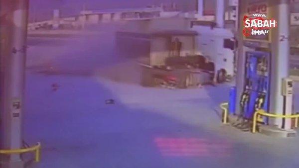 Benzin istasyonuna dalan tır faciaya yol açıyordu | Video