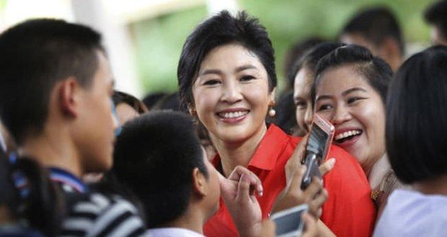Tayland eski başbakanının cezası 1 milyar dolara indirildi