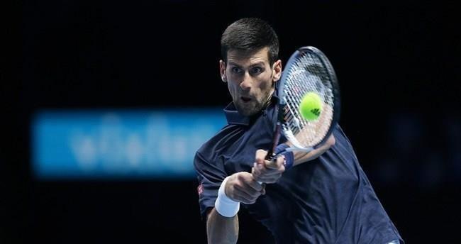 Djokovic, Londra'da galibiyetle başladı