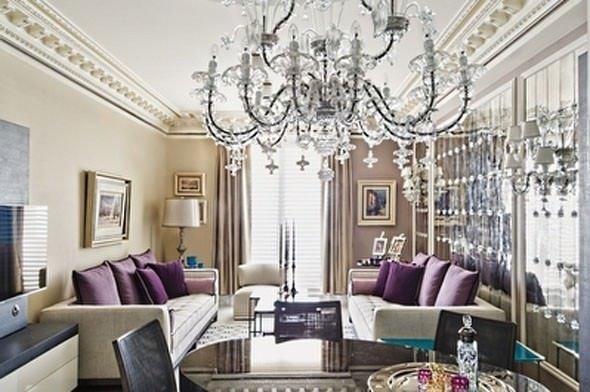 Monaco'daki evde çok özel parti