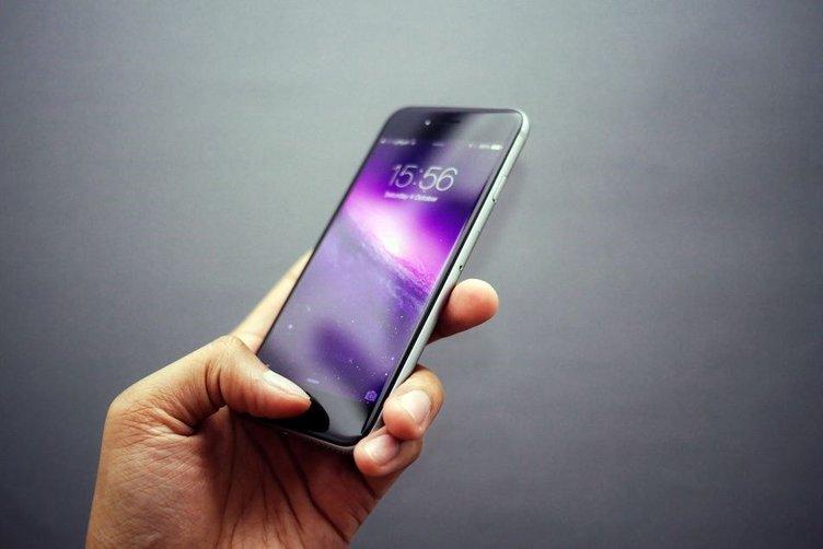Siri hakkında Apple'a ateş püskürdü