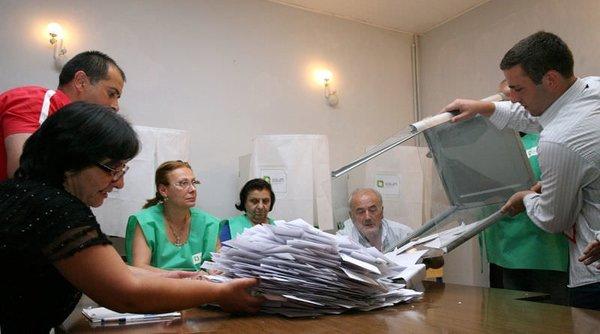 Gürcistan seçimlerinin galibi muhalefet