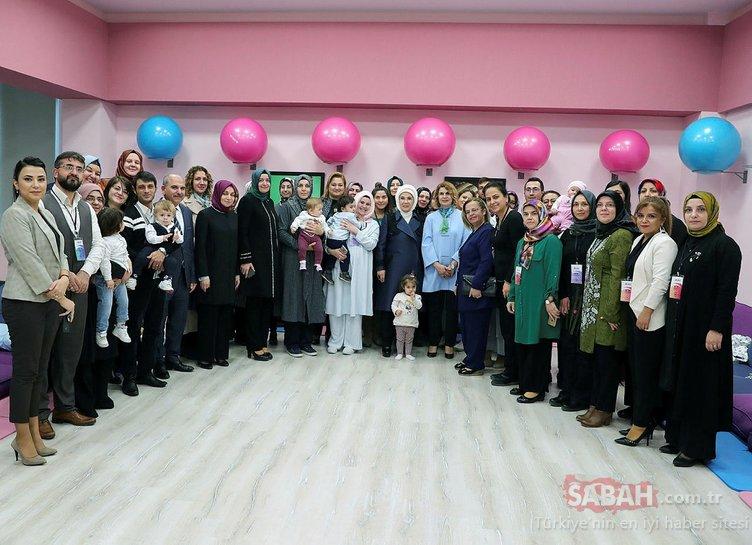 Başkan Erdoğan'ın eşi Emine Erdoğan, İlk Adım Ebe Gebe Okulu tanıtımına katıldı