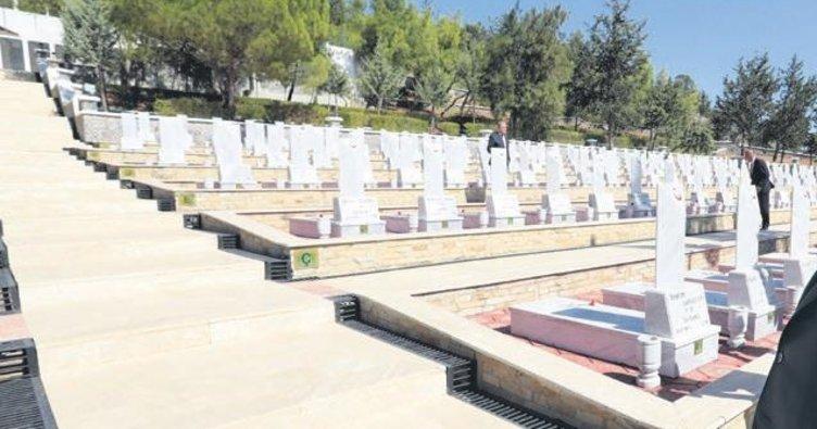 Kıbrıs şehitlerine 44 yıl sonra cenaze
