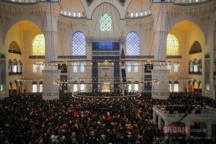 Cuma namazı saat kaçta kılınacak? 5 Temmuz İstanbul, Ankara, İzmir cuma namazı saatleri...