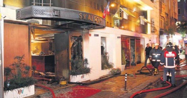 Otel yangınında can pazarı yaşandı: 3 ölü
