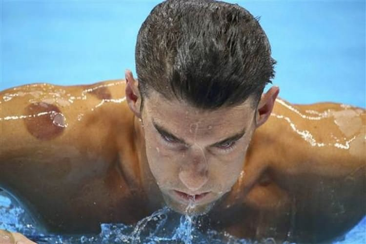 Tüm dünya başarılı yüzücünün izlerini konuşuyor!