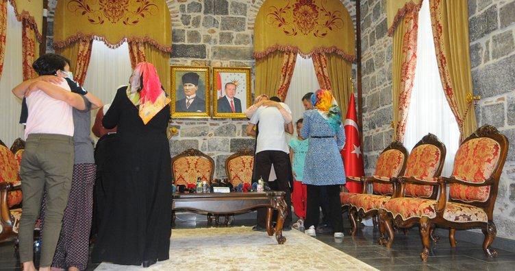 Erdoğan'ın müjdesini verdiği 3 aile evlatlarına kavuştu