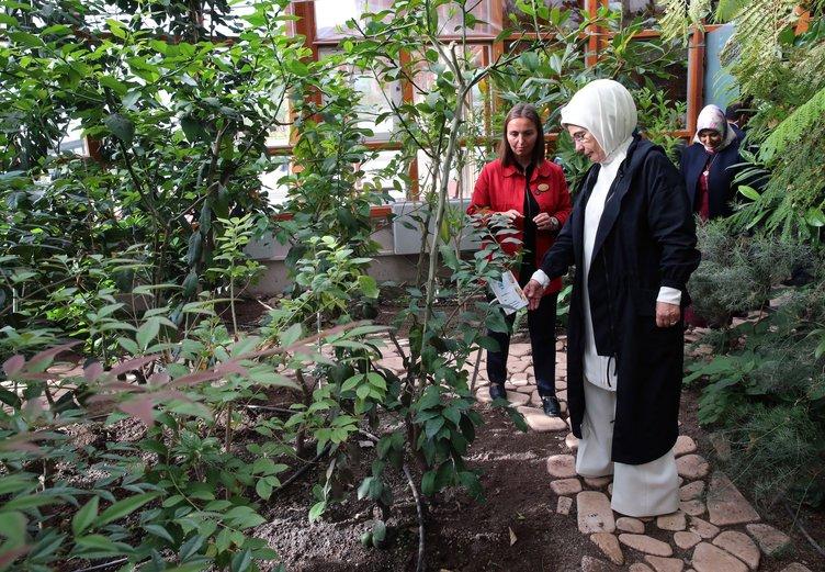 Emine Erdoğan'dan Afyonkarahisar sokaklarını keşif turu