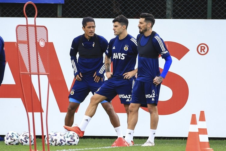 Son dakika: Fenerbahçe'den transfer açıklaması! Perotti, Dorukhan Toköz ve Ozan Tufan...