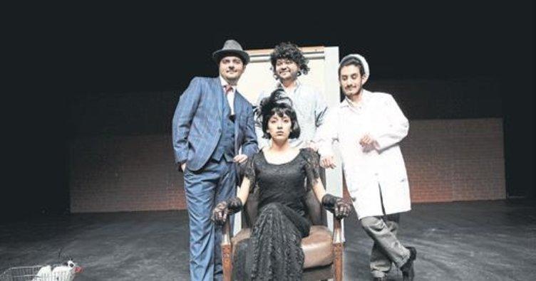 Denizli'ye 2 ayrı tiyatro ödülü