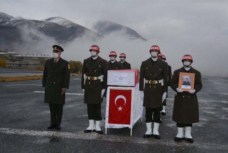 Hakkari'de şehit düşen Piyade Uzman Çavuş Abdurrahman Topuksuz son yolculuğuna uğurlandı
