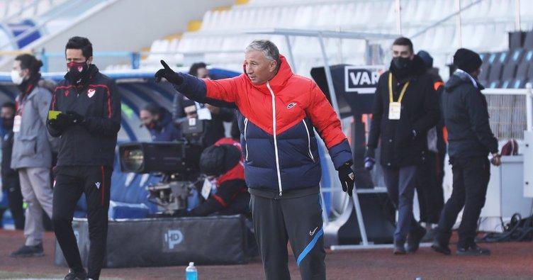 Son dakika: Kayserispor'da teknik direktör Dan Petrescu ile yollar ayrıldı!