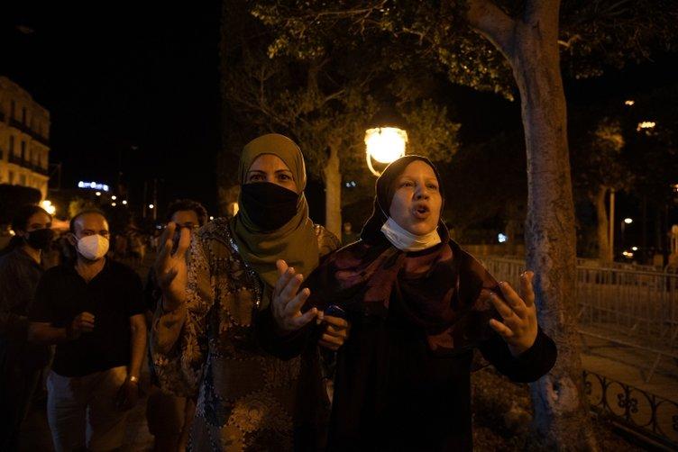 Son dakika: Tunus'ta darbe girişimi! Cumhurbaşkanı askerle birlikte darbe yaptı!