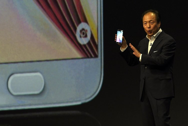 Samsung'un yeni amiral gemisi Galaxy S6 ve Galaxy S6 Edge'yi tanıttı
