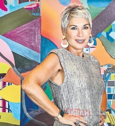 Stil ikonu ve sosyal medya fenomeni Rachel Araz koronavirüs salgını nedeniyle 32'nci yaşını evinde kutladı!