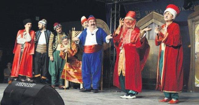 Şehir Tiyatrosu sezonu rekorla kapattı